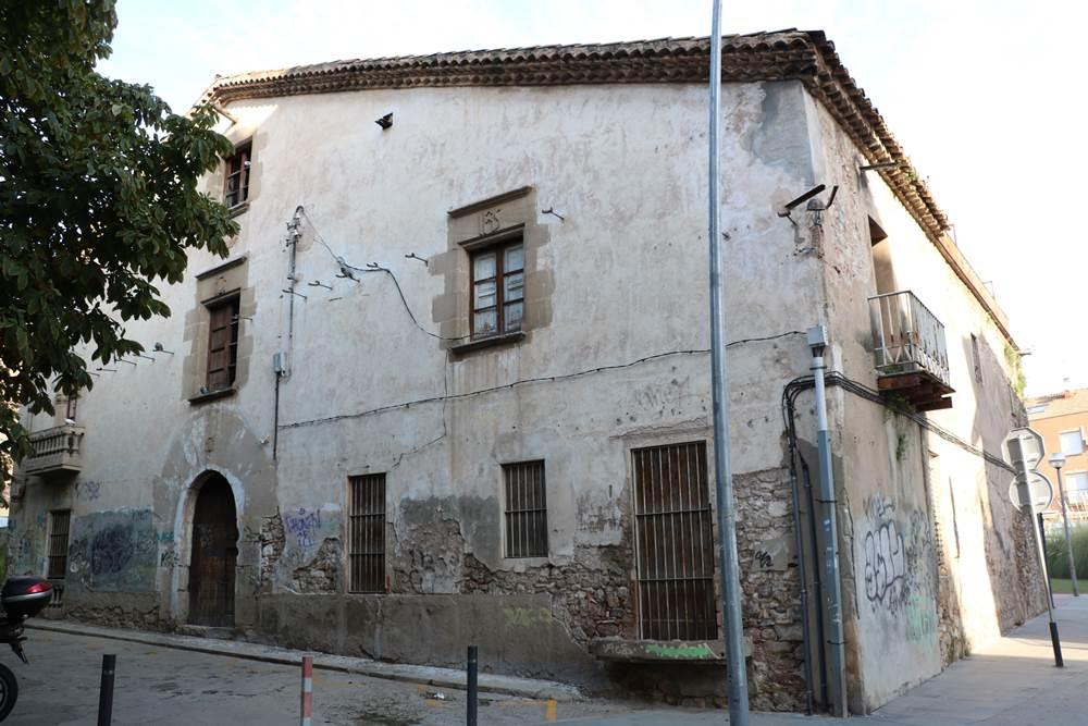Usuaris de la Biblioteca de la Llagosta publiquen articles de les masies Can Baqué, Mas la Llebre i Can Pere Gil a la Viquipèdia