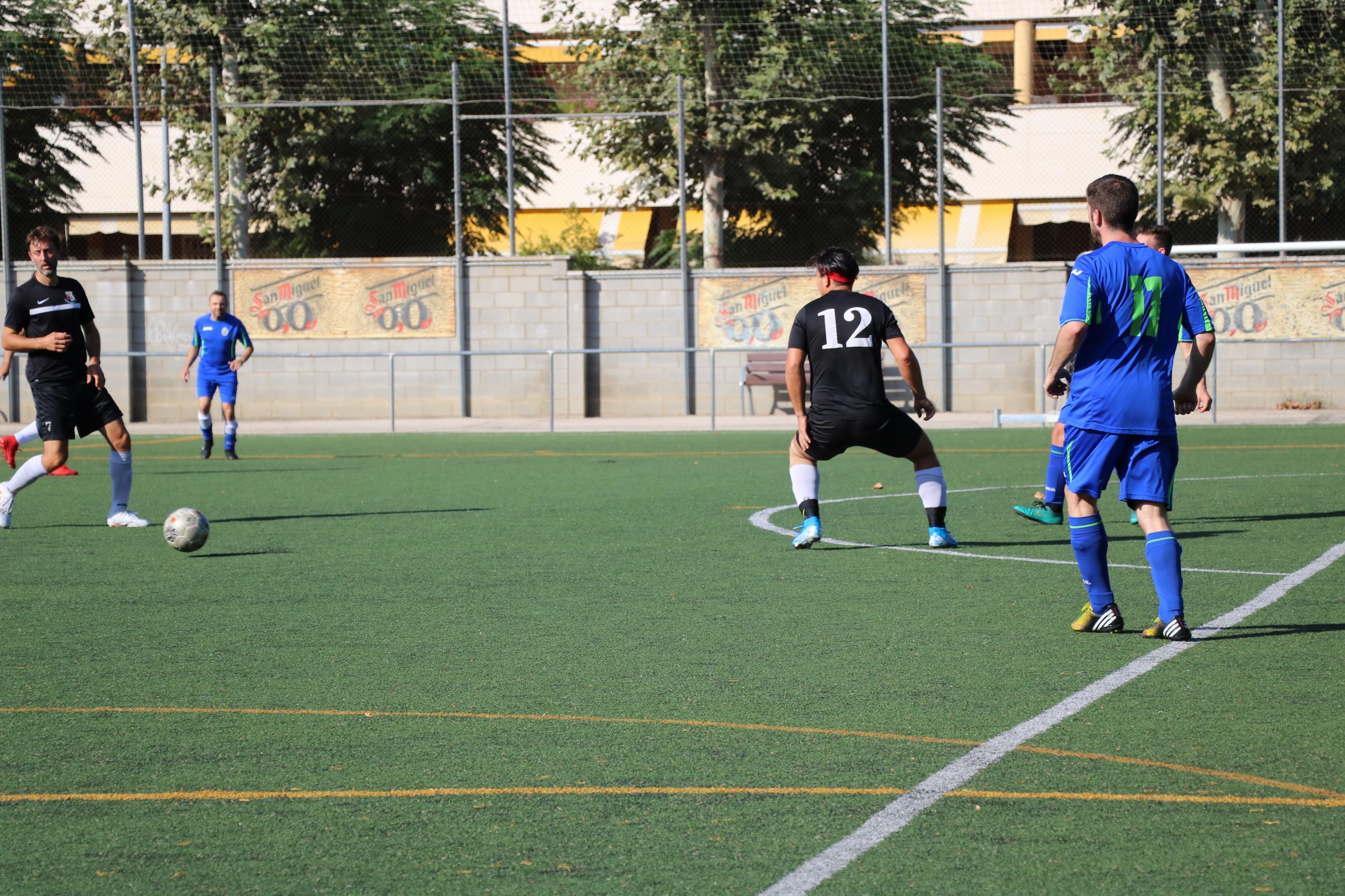 Cinquena derrota del CD Viejas Glorias després de perdre contra el Llefià (3-1)