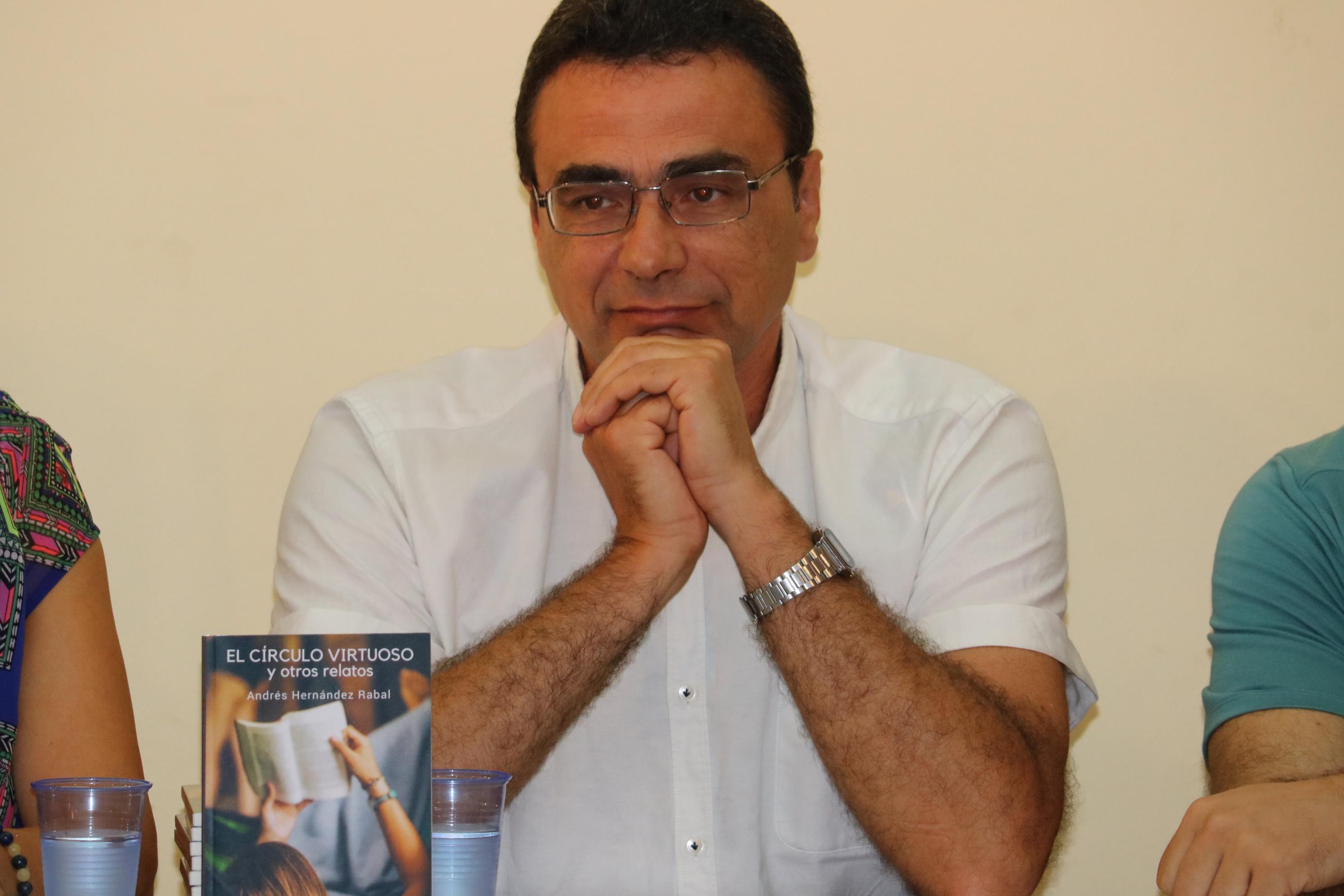 L'autor local Andrés Hernández, protagonista del Club de lectura