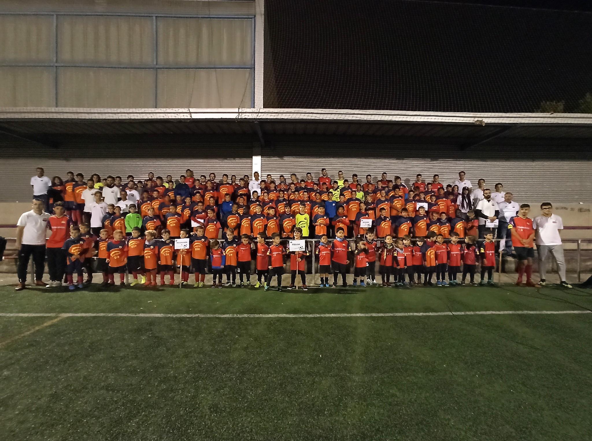 El CE la Llagosta presenta 15 equips i prop de 180 esportistes