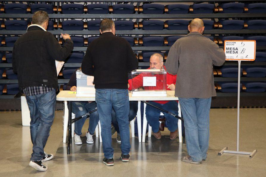 La jornada electoral comença amb normalitat a la Llagosta
