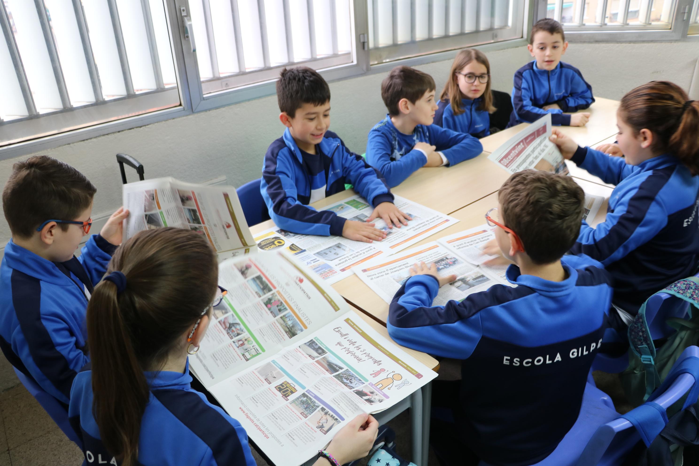 L'alcalde visita l'alumnat de quart de Primària de l'Escola Gilpe
