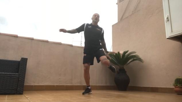 El CEM El Turó publica vídeos de classes dirigides amb els seus monitors per fer esport des de casa