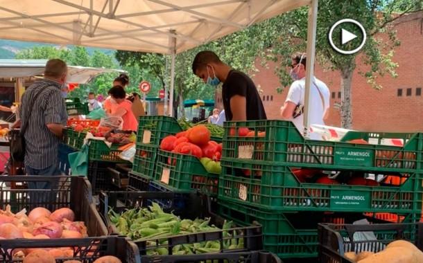 [Vídeo] Reobre el mercat setmanal amb control d'accés i un aforament màxim de 80 persones